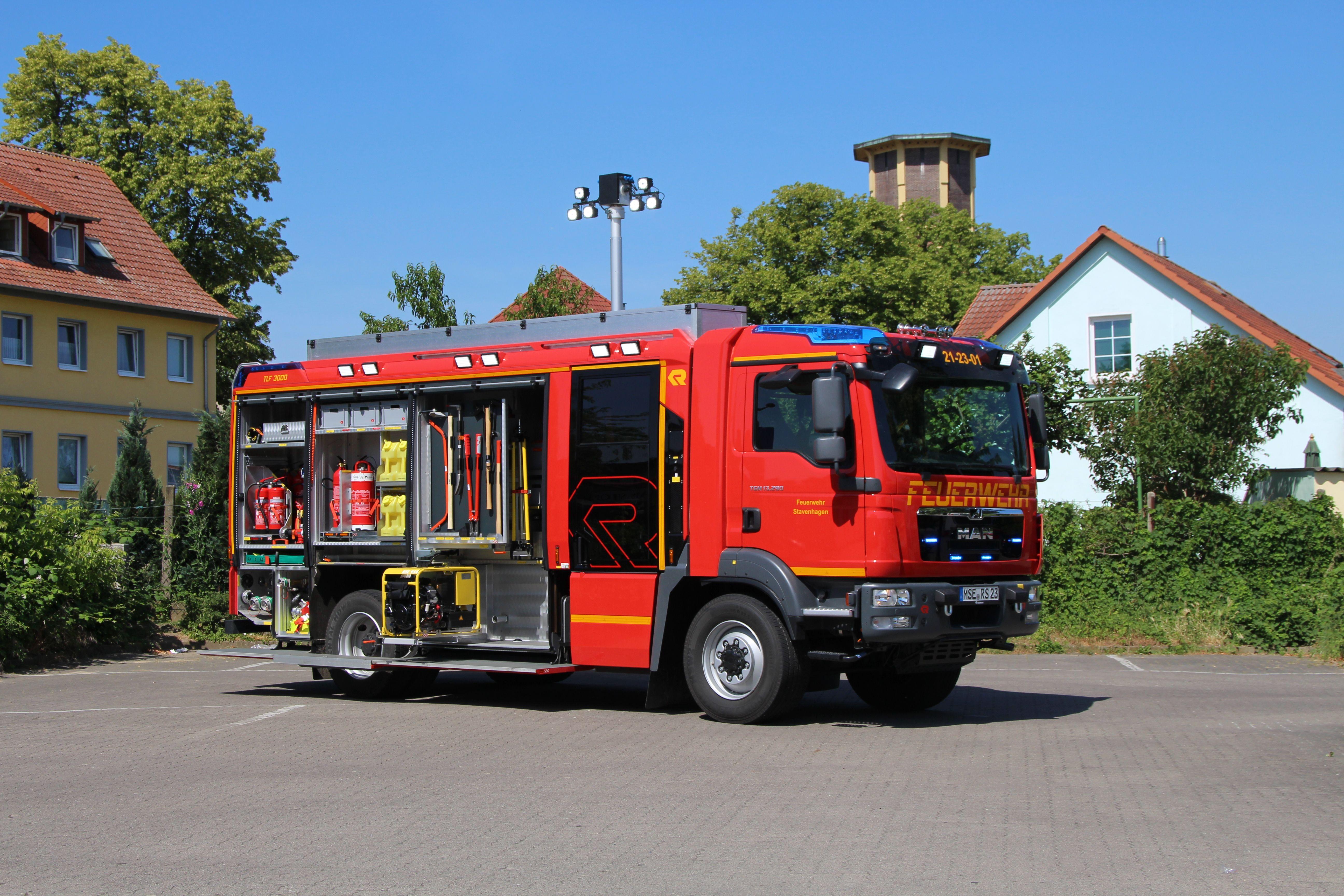 Aus Den Wehren Tlf 3000 Man Tgm 13 290 4x4 Rosenbauer Ein Vorgangerfahrzeug Aus Dem Jahr 1996 Ersetzte Die Feuerwehr Magazin Feuerwehrauto Feuerwehr Fahrzeuge