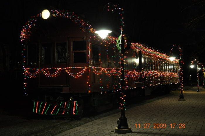 The Magical Holiday Train Ride In Delaware Everyone Should