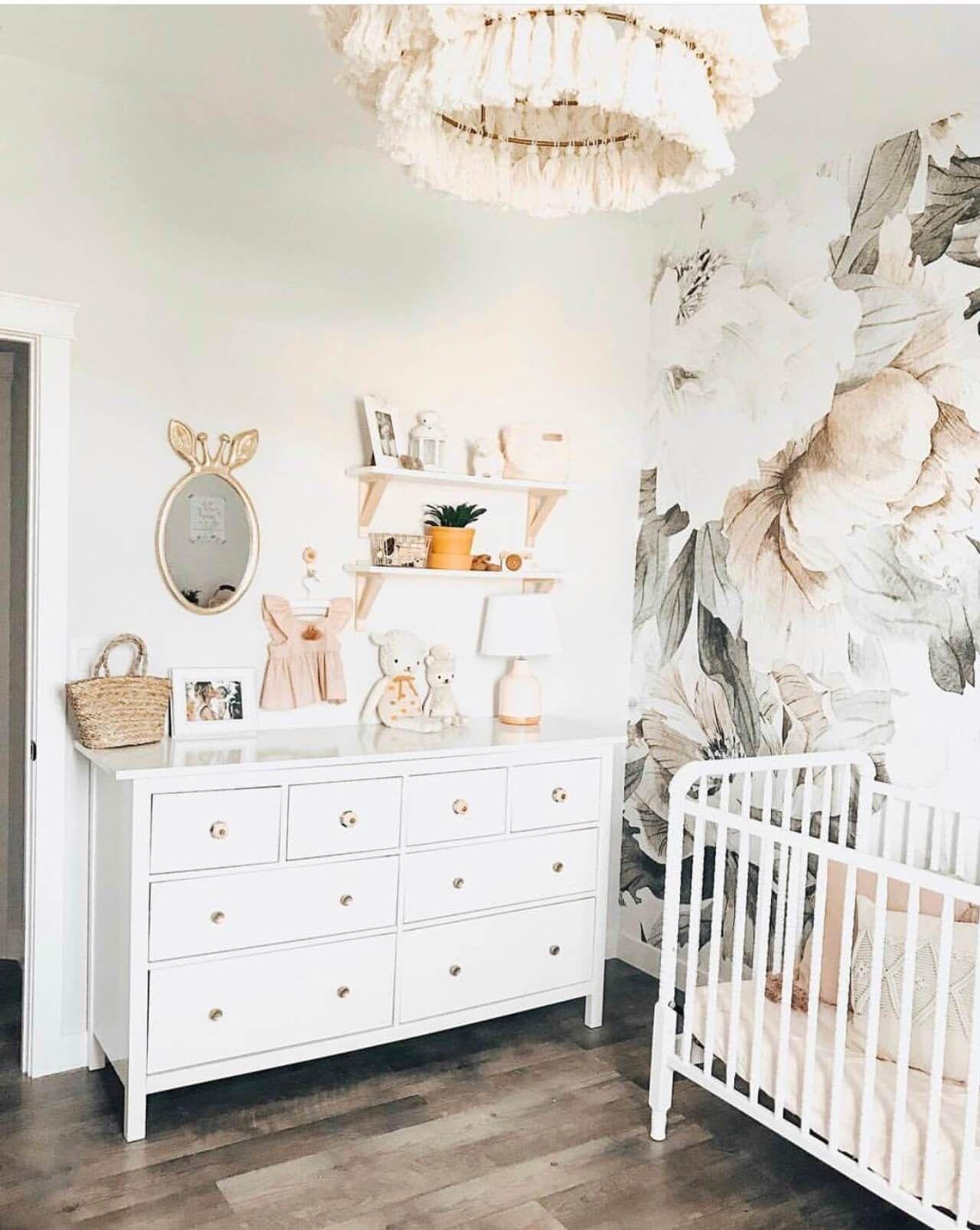 Unsere Baby Girl Nursery Decor Inspiration