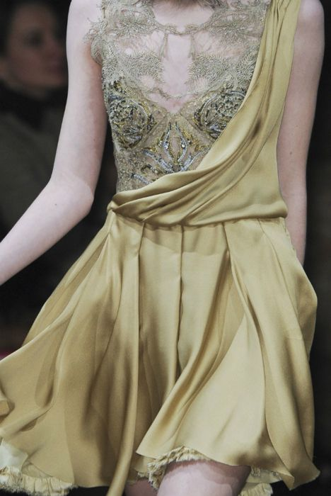 Julian McDonald fall/winter 2011/2012. wish i had somewhere to wear this!!