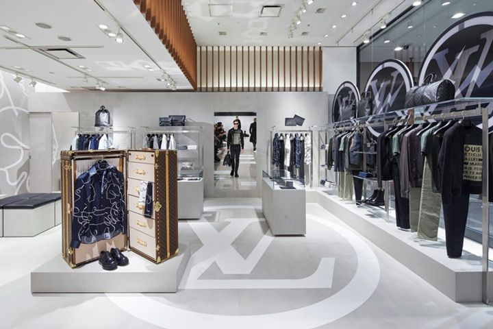 Louis Vuitton pop-up store, Tokyo – Japan   Z展柜   展厅   Store ... 9a635809e5