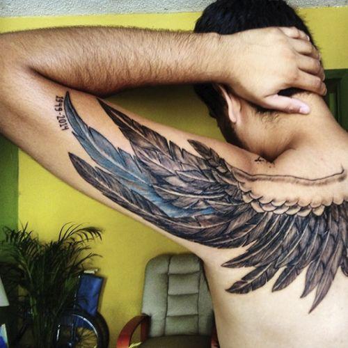 Тату крылья: 60+ фото мужских и женских тату, значение ...