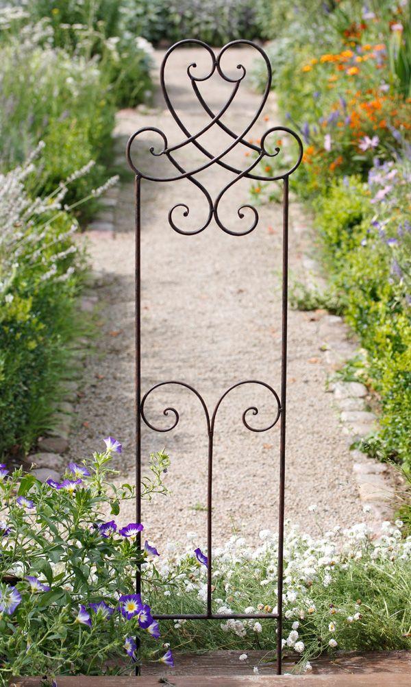 Englisches Rankgitter York - Diese zauberhaften Rankgitter aus Eisen eignen sich mit ihren 1,20 m Höhe für kleinere Kletterpflanzen und als Staudenstützen.