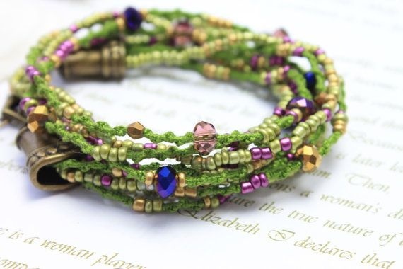 I designed this model as a short Boho necklace and wrap bracelet in one. You can twist it twice around the hand. The colors are Peacock - green colors