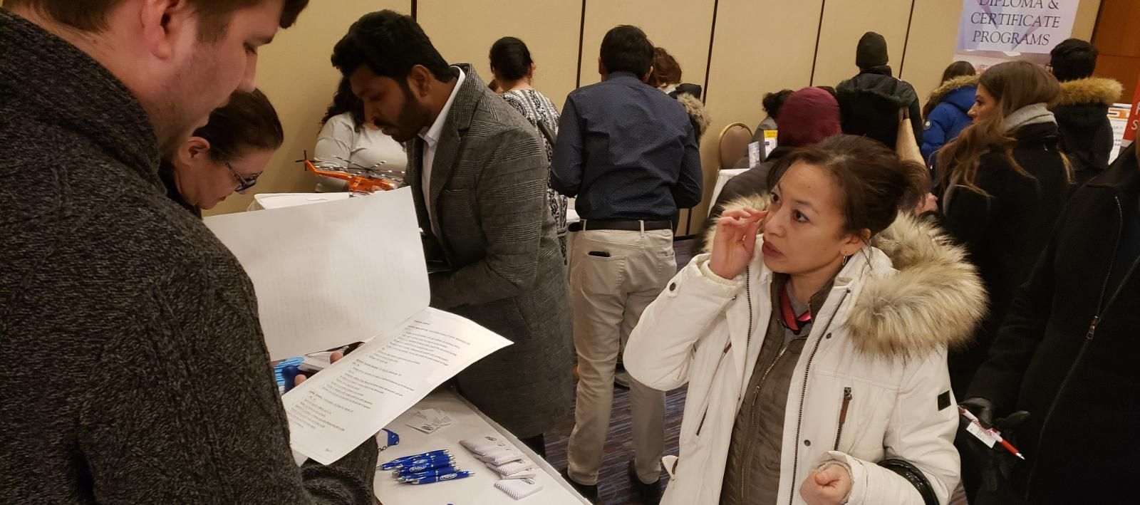 Brampton Job Fair Is Live Today Do Not Miss 1 3pm Courtyard Marriott Meet Face To Face With Hiring Companies From B Job Fair Looking For A Job New Career