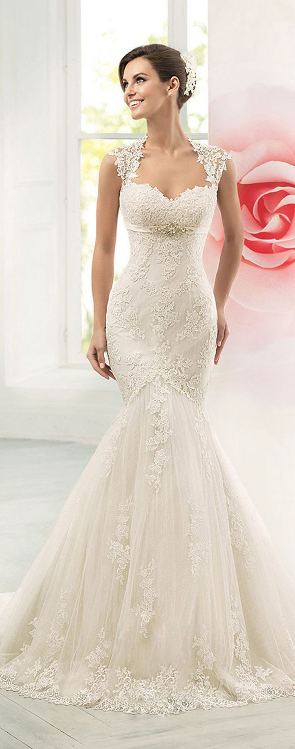 Glamorous tulle sweetheart neckline mermaid wedding dress with lace