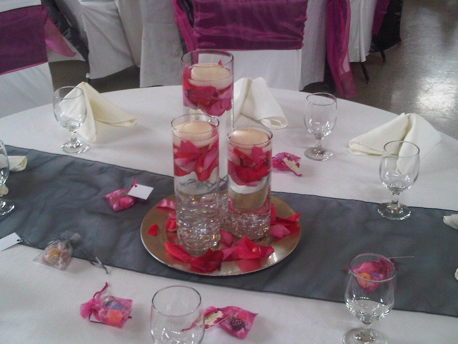 Ivory Table Linens, Ivory Napkins (pyramid Fold) Charcoal Organza Runner,  Silver Charger Plate, Cylinder Vases With Floating Candles, Clear Beads U0026 Hot  Pink ...