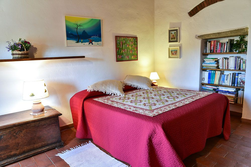 Room L is a smaller air conditioned room on the upper level of the main house. Smaller but comfortable! #tuscany #chianti #italy #accommodation
