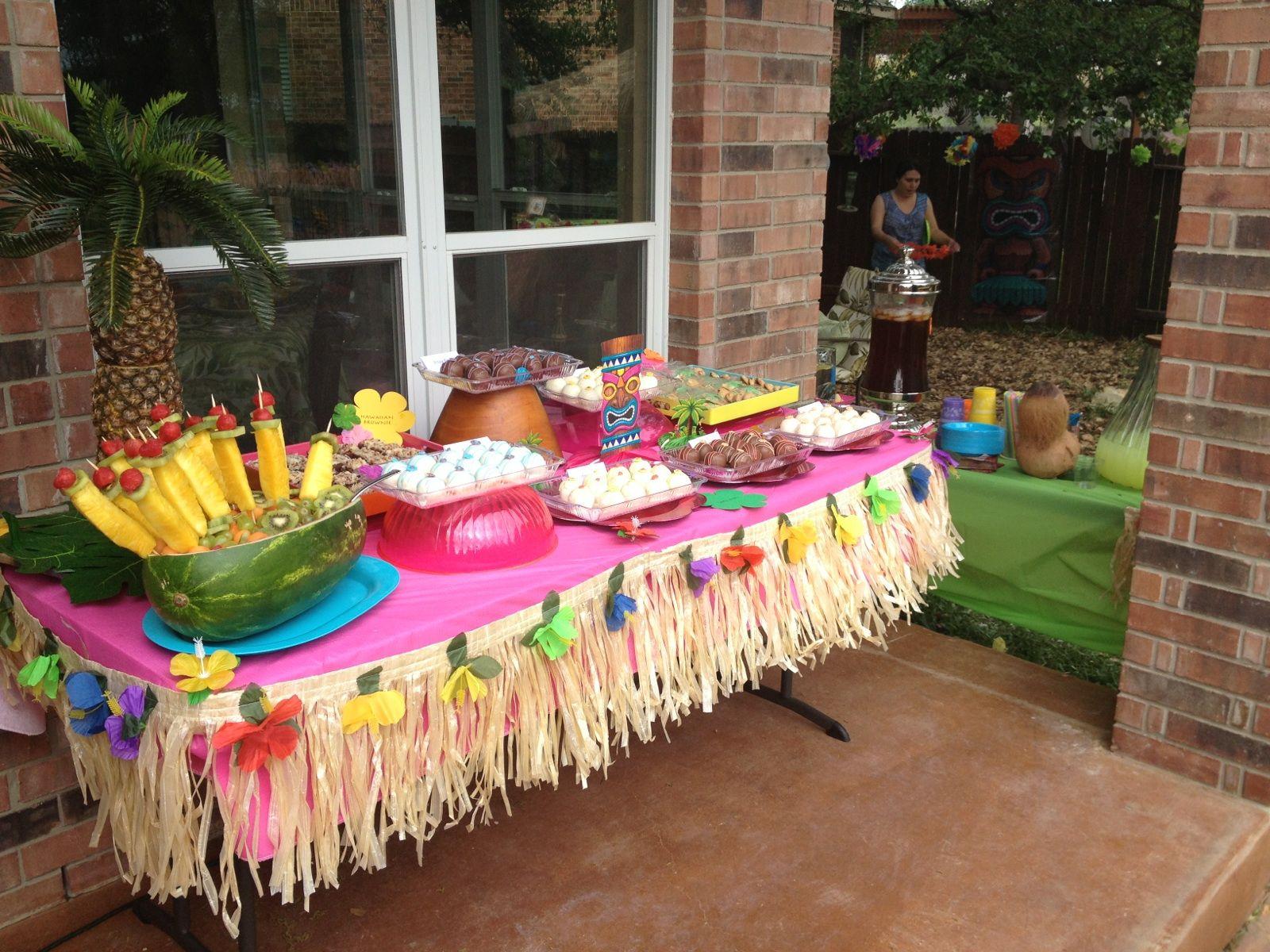 Luau dessert table | Minnie mouse luau, Luau party food ...