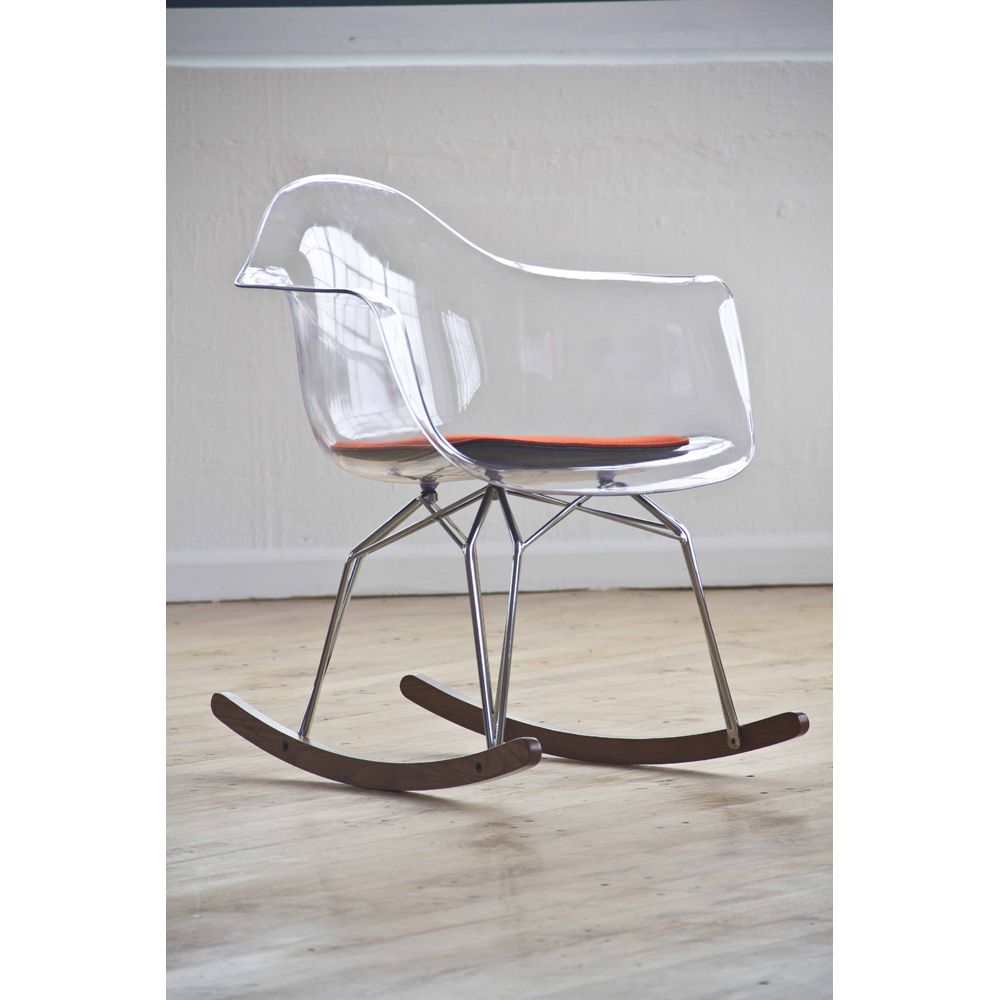 Fantasma Sedia A Dondolo.A Modern Take On A Timeless Classic Design Camerette Sedie E