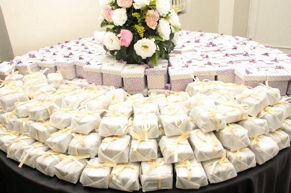 mesas-de-casamento-decoradas-com-as-lembrancinhas-10 - Decoração de Casamento