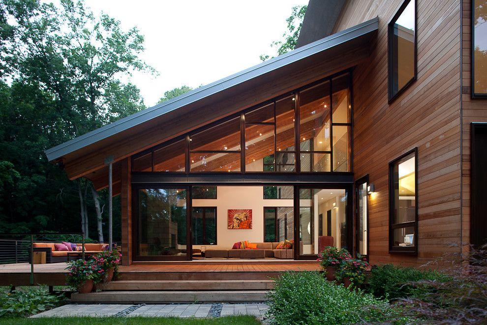 Pigeon creek residence modern exterior grand rapids for Arredare veranda chiusa