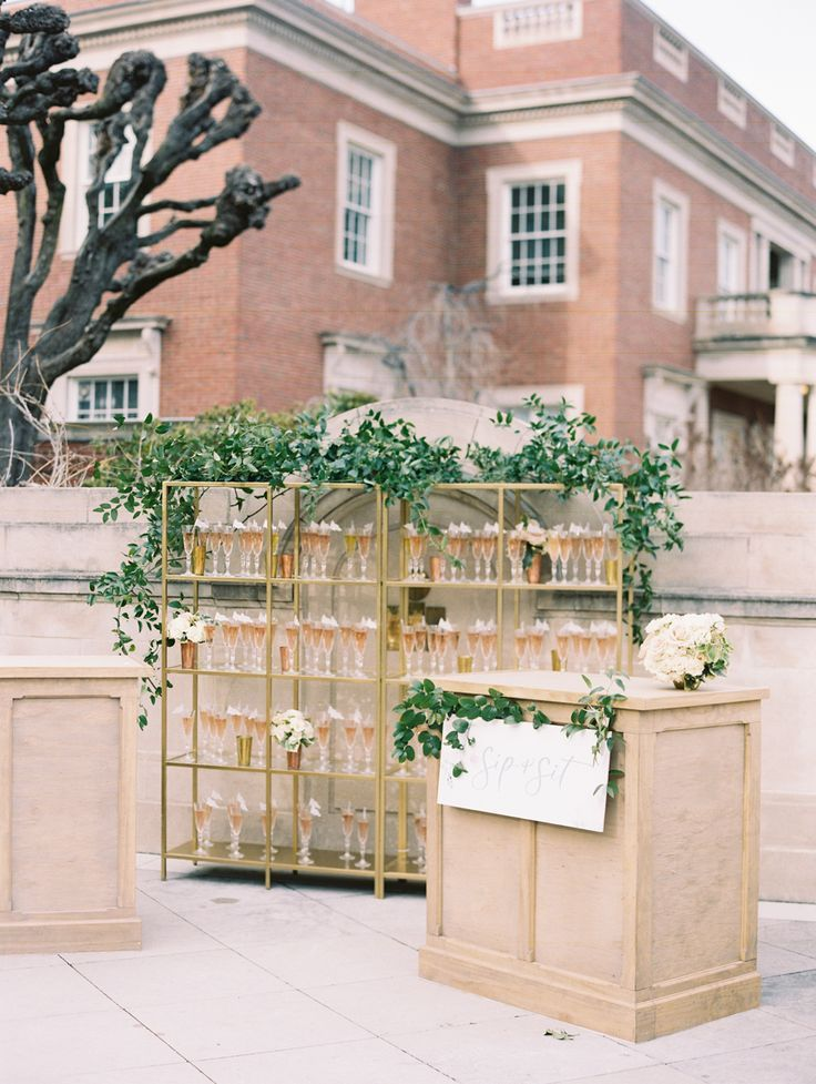 A Romantic Early Spring Wedding at Meridian House in 2020 | Early spring wedding, Meridian house, Sp