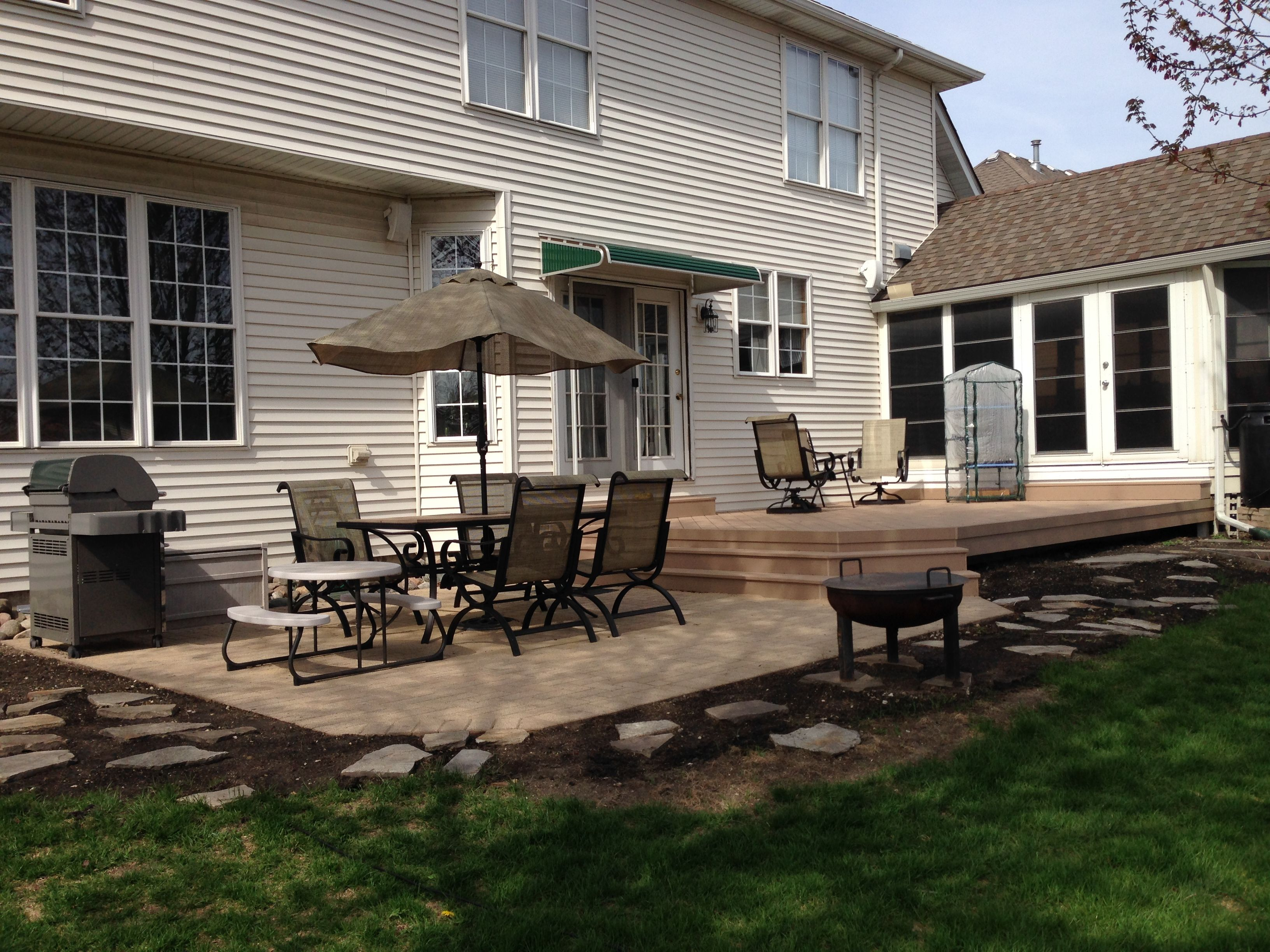 Square Patio Design by St Charles IL Patio Builder Design
