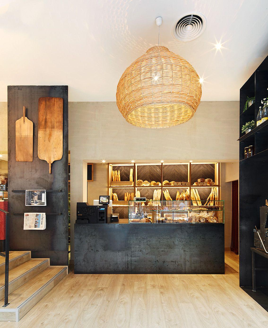 Lineas rectas contrastes madera pizarra y blanco for Decoracion interiores barcelona