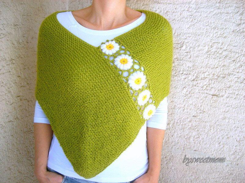 Knit Green Poncho Shawl with Daisy Flowers | Knitting Mania ...