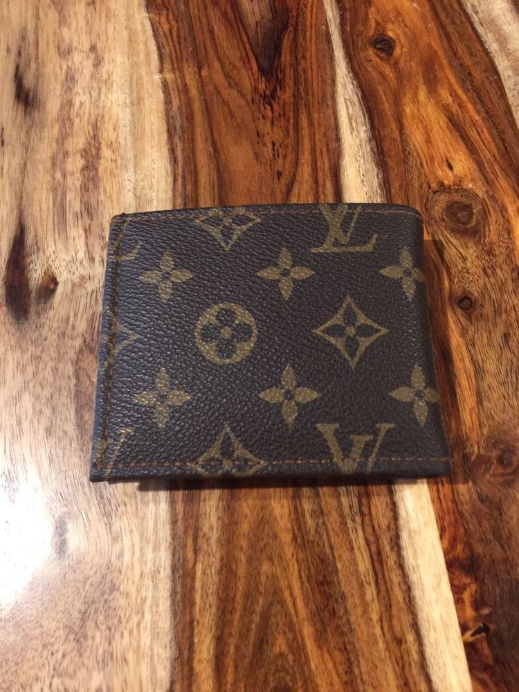 f95983363065 Louis Vuitton Authentic Men s Monogram Canvas   Leather Bifold ...
