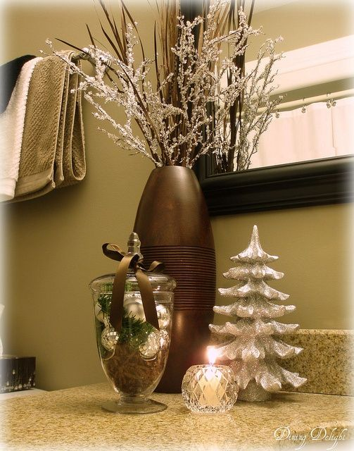 YES!! simple sweet holiday bathroom decoration Christmas Joy