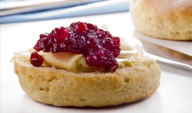 Rabanada com compota de maçã e queijo brie - Foto Getty Images