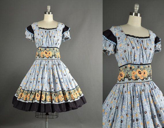 Vintage 1960s Dress full skirt floral cotton