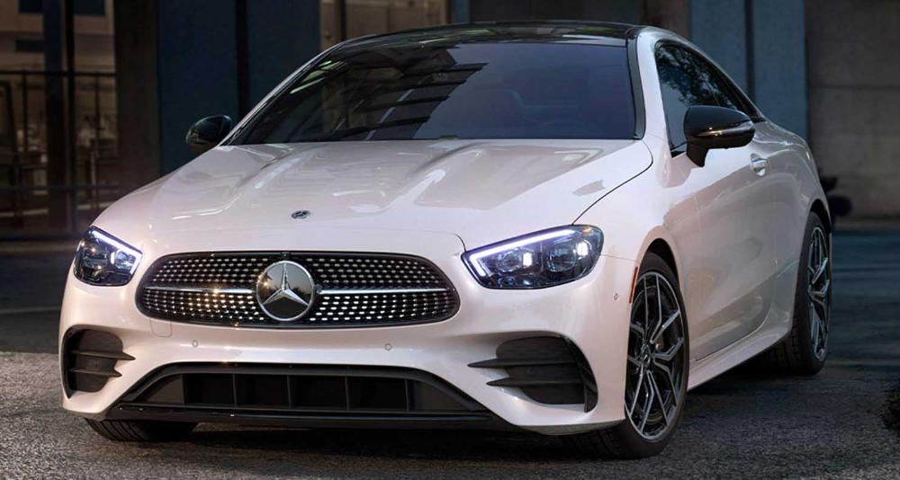 مرسيدس بنز إي كلاس كوبيه الجديدة 2021 الكوبيه الفاخرة الأنيقة والعصرية In 2021 Benz E Benz E Class Mercedes Benz