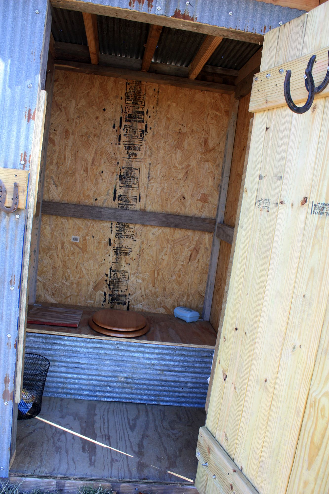 Diy sawdust compost outhouse outhouse sawdust compost