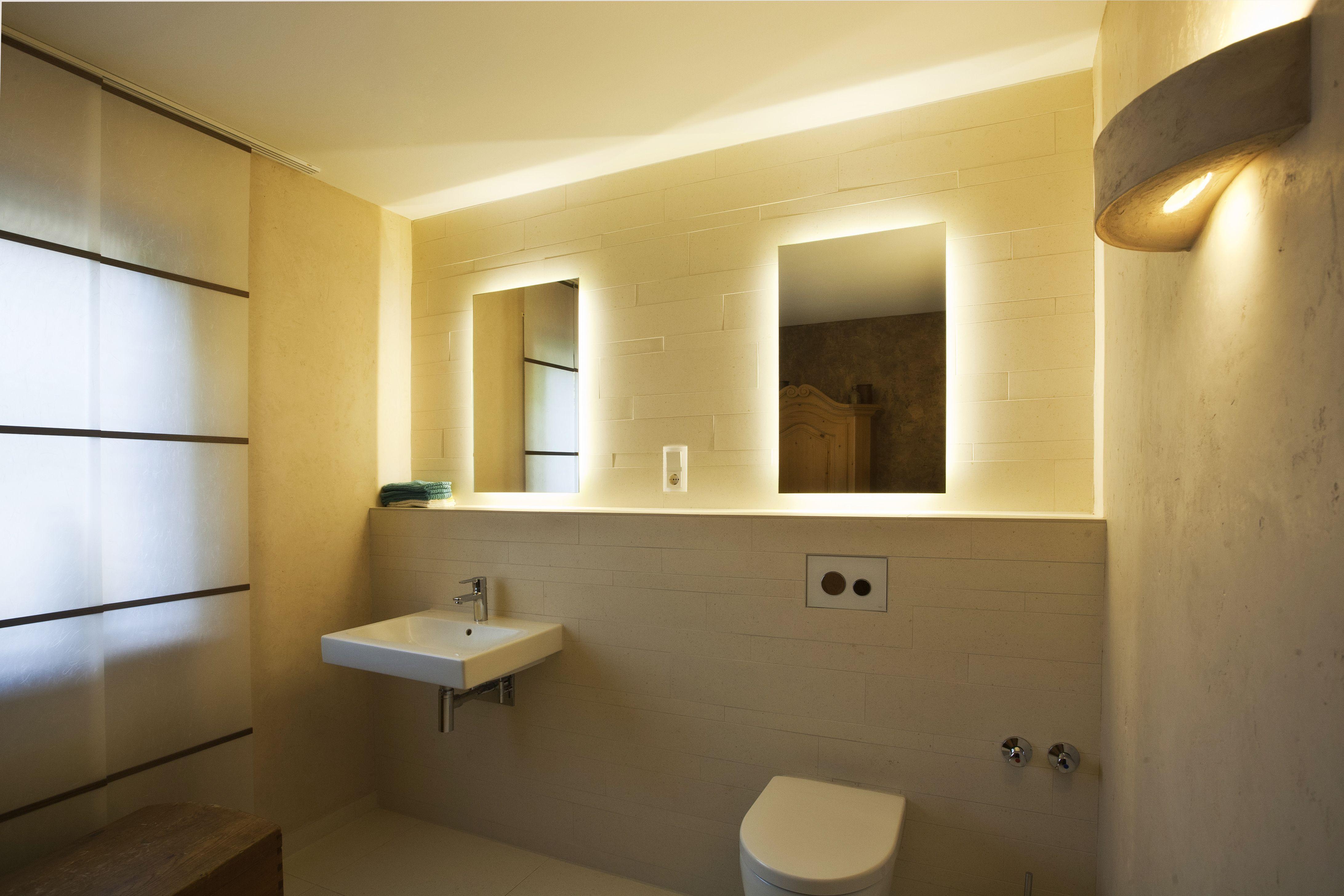 Inspiration Fur Badezimmer Mit Beleuchtung In 2020 Lighted Bathroom Mirror Bathroom Mirror Bathroom Lighting