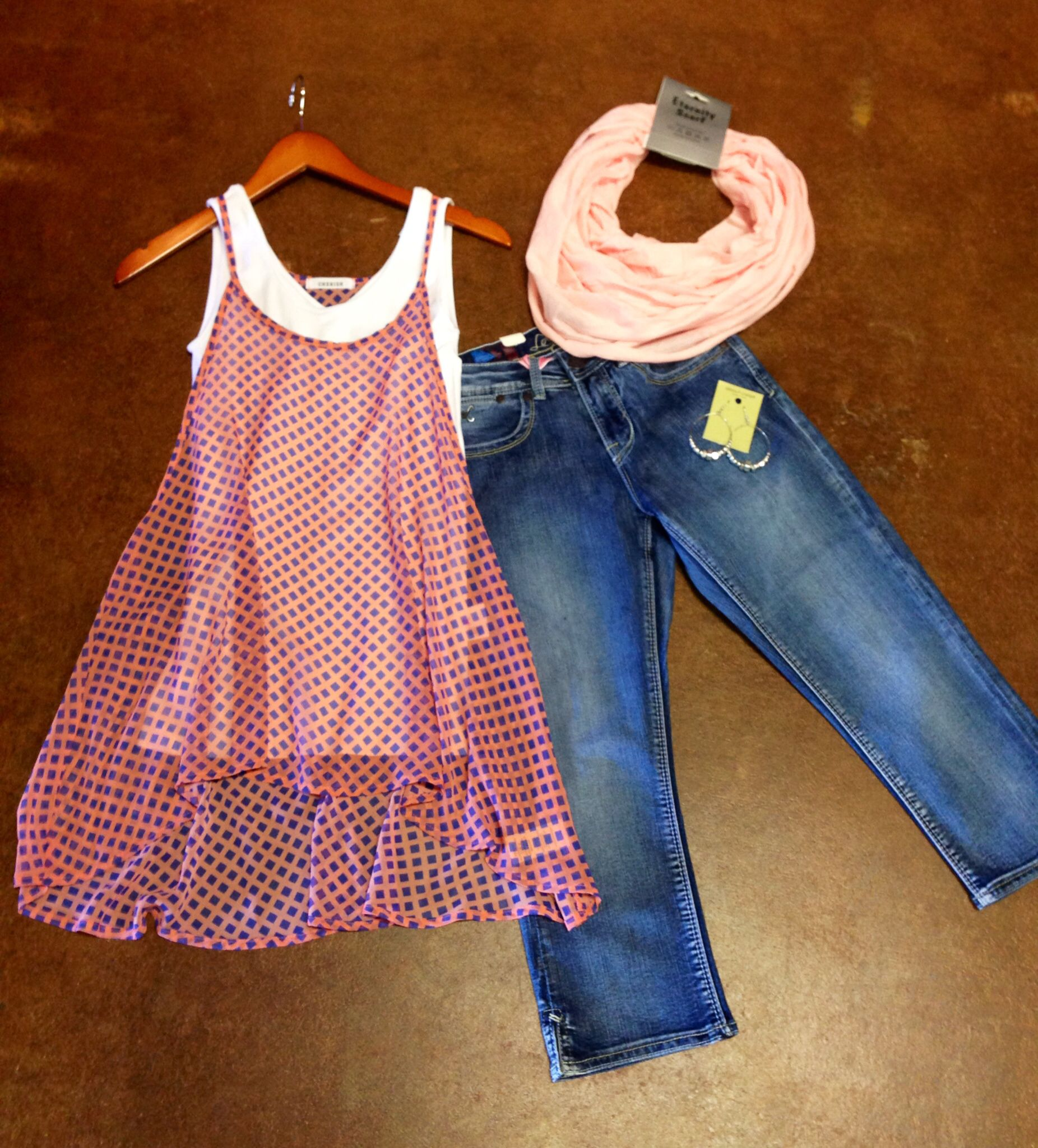 Cute weekend outfit. Vogue Boutique. Freeport,IL