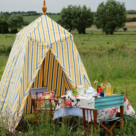 Picnic garden with striped tent & Picnic garden with striped tent | Picnics Tents and Gardens