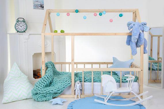 Kleinkind-Bett. Kinderbett. Haus-Bett. Kinder Tipi. Holz-Haus. Baby ...