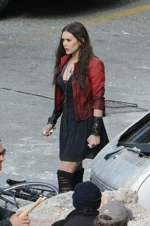 Avengers Age Of Ultron Wanda Maximoff Elizabeth Olsen Scarlet Witch Age Of Ultron Elizabeth Olsen Scarlet Witch Avengers Age