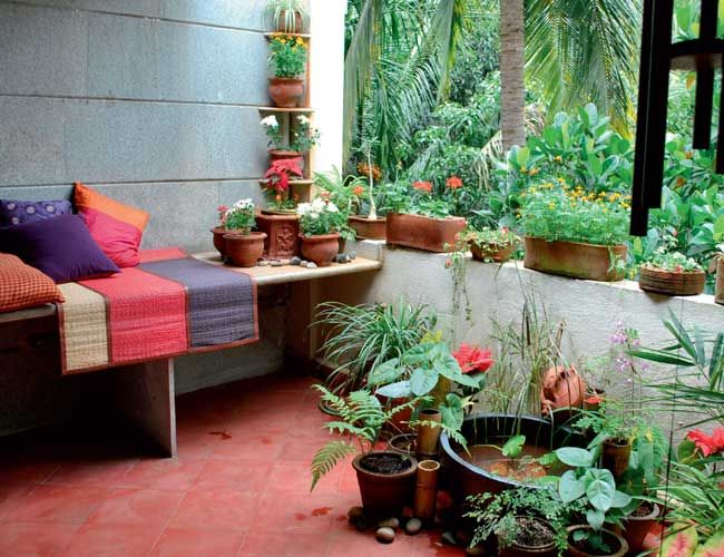 Indian balcony garden decoration ideas home decoration for Good earth home decor india