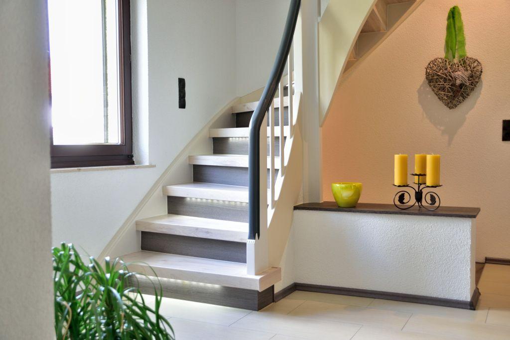 bildergalerie treppenrenovierung treppenrenovierung renovierung und treppensanierung. Black Bedroom Furniture Sets. Home Design Ideas