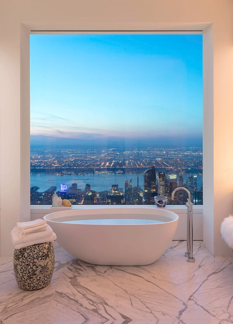 40 million dollar views at this 92nd floor penthouse on Park Avenue ...