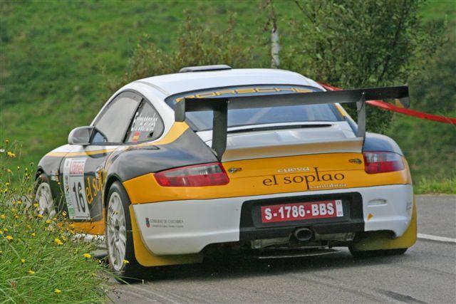 PORSCHE 911.   Rallye de Llanes.  #rallye #leonesp   Quiero empezar esta serio con este coche, ya que tuve la oportunidad de conducirlo, unos 2 km a trafico abierto, nada de ir de rallye con el.  Me gusta la trasera del Porsche.