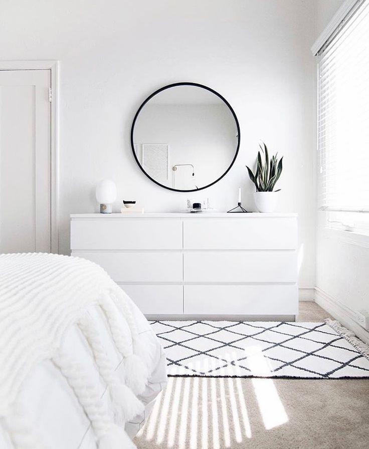 Photo of Le miroir entouré est sur la liste – Les plus belles idées de mobilier