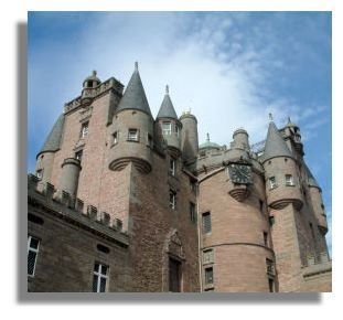 macbeth murder at inverness castle Let's go to your castle in inverness and celebrate i'll go ahead and let my wife but macbeth's thoughts about the murder he was to commit that night back at dunsinane castle, macbeth was seated on his throne.