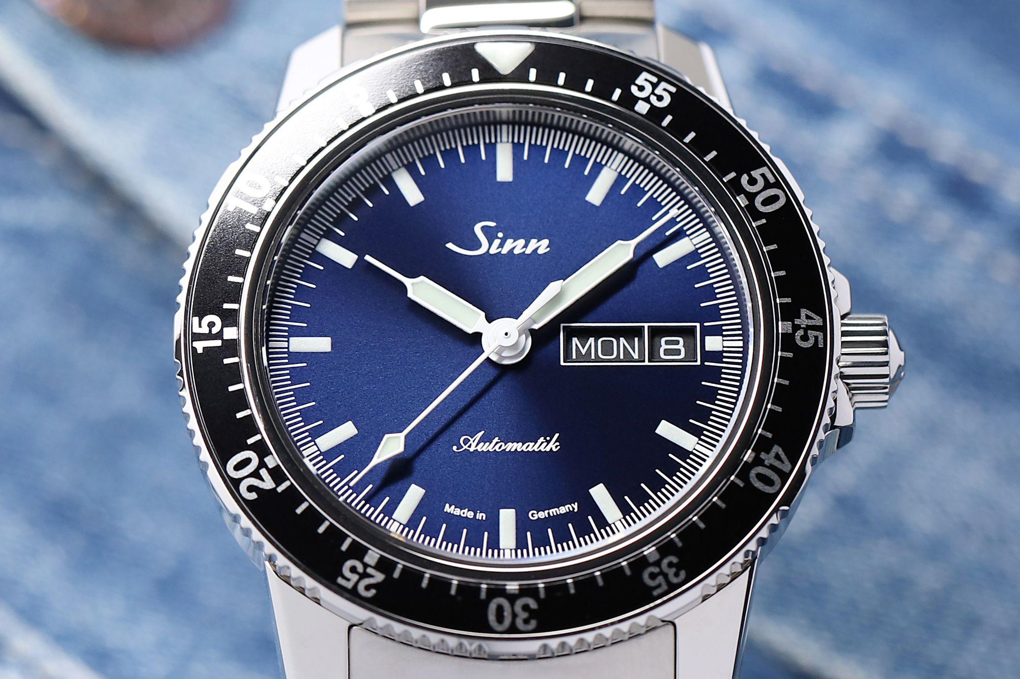 ba51be9b7d9d28 SINN 104 St Sa I B - the classic pilot watch with dark blue dial / SINN 104  St Sa I B - la montre de pilote classique avec cadran bleu foncé ...