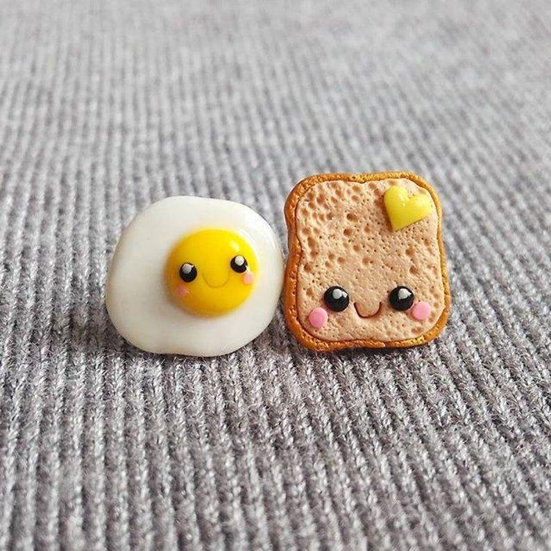 Polymer Clay Ohrringe, gelbe Ohrringe, Toast und Ei Ohrringe, Eier auf Toast Ohrringe, Miniatur Essen Ohrringe Essen Schmuck lustige Ohrringe
