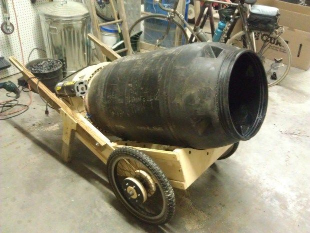 Make A Mobile Cement Mixer From A Pickle Barrel 집