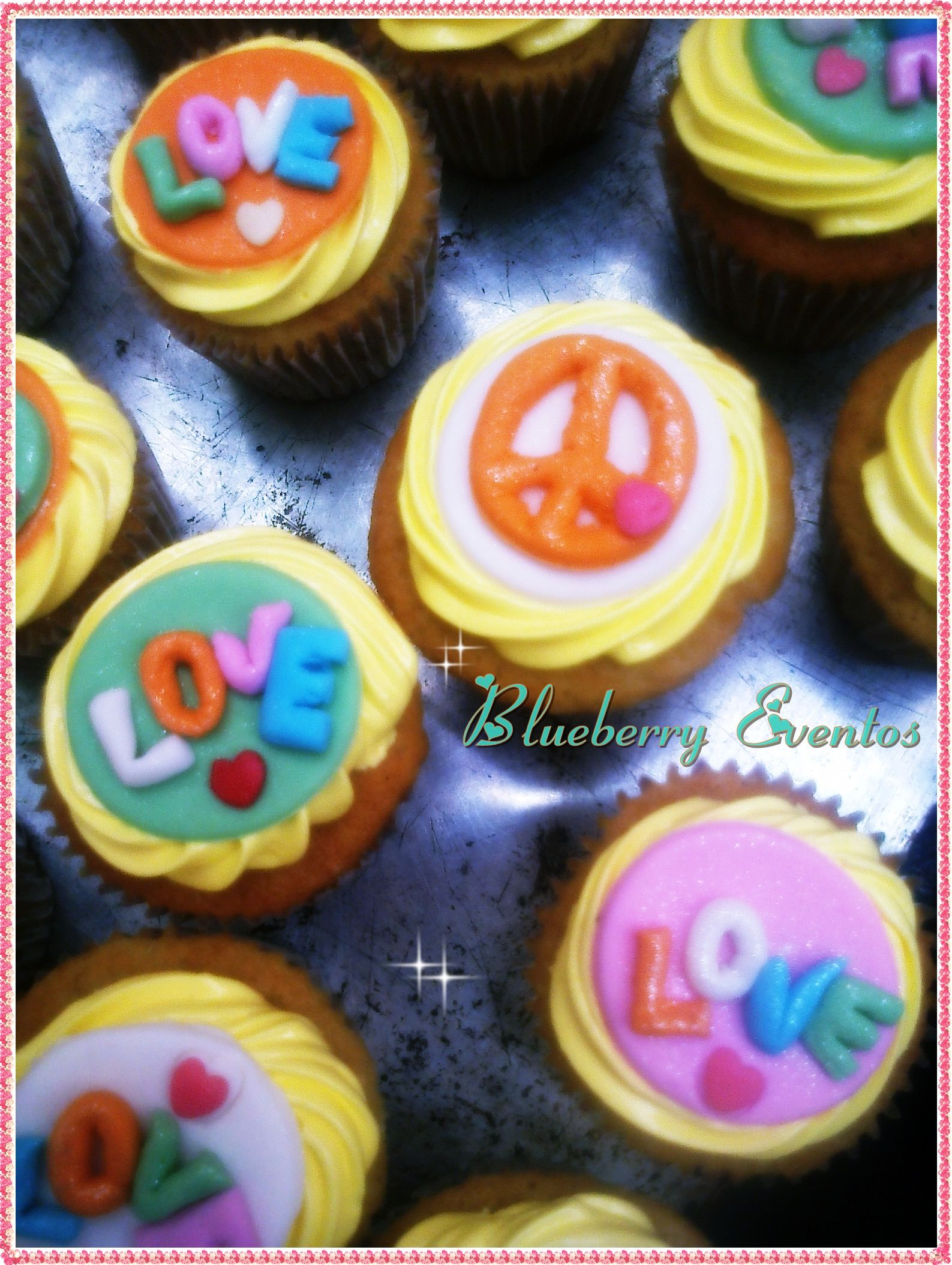 Cupcakes Peace & Love Blueberry Eventos