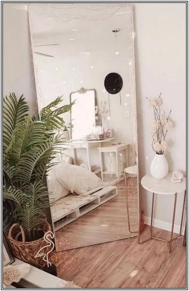120+ Simple Holiday Decorating Ideas With Lights | cynthiapina.me #dreamroomsforwomen