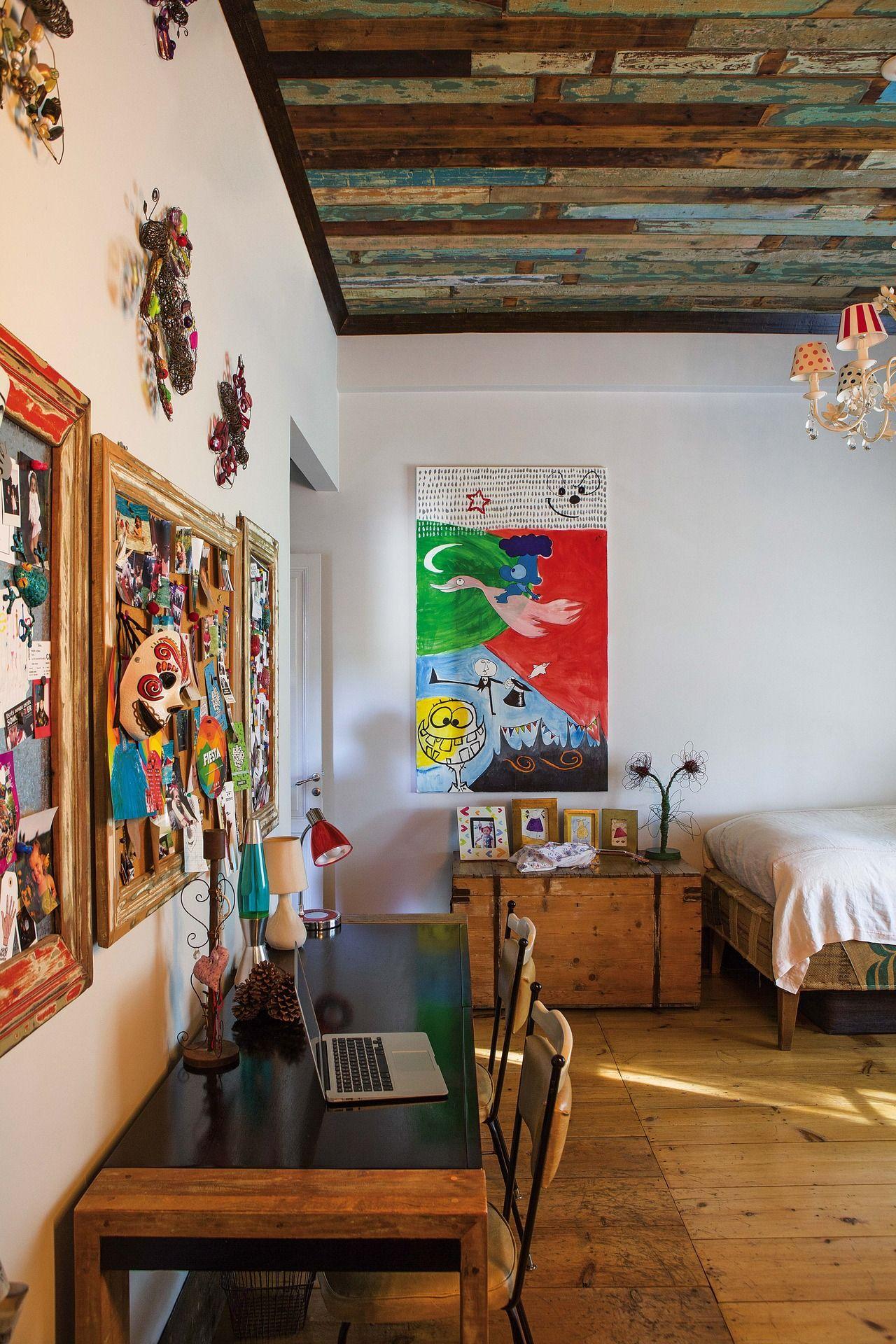 Una casa rodeada de una espléndida galería para disfrutar