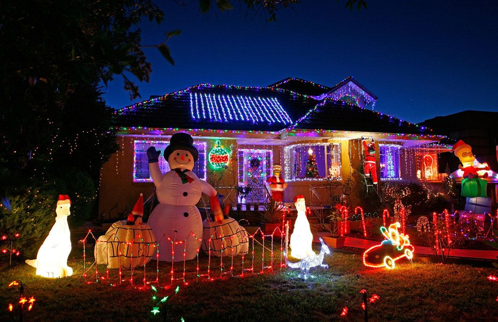 resultado de imagen para decoracion de navidad para puertas