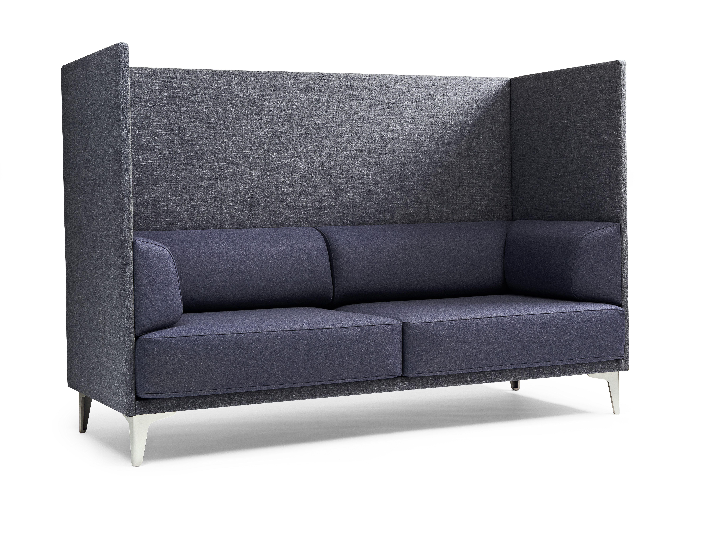 Apoluna Is Erik Jorgensen S Exclusive Sofa Series Created By The Swiss Firm Studio Hannes Wettstein The Apolunab Sofa Inspiration Sofa Furniture Sofa Design