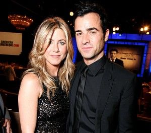 Jen Aniston is engaged!