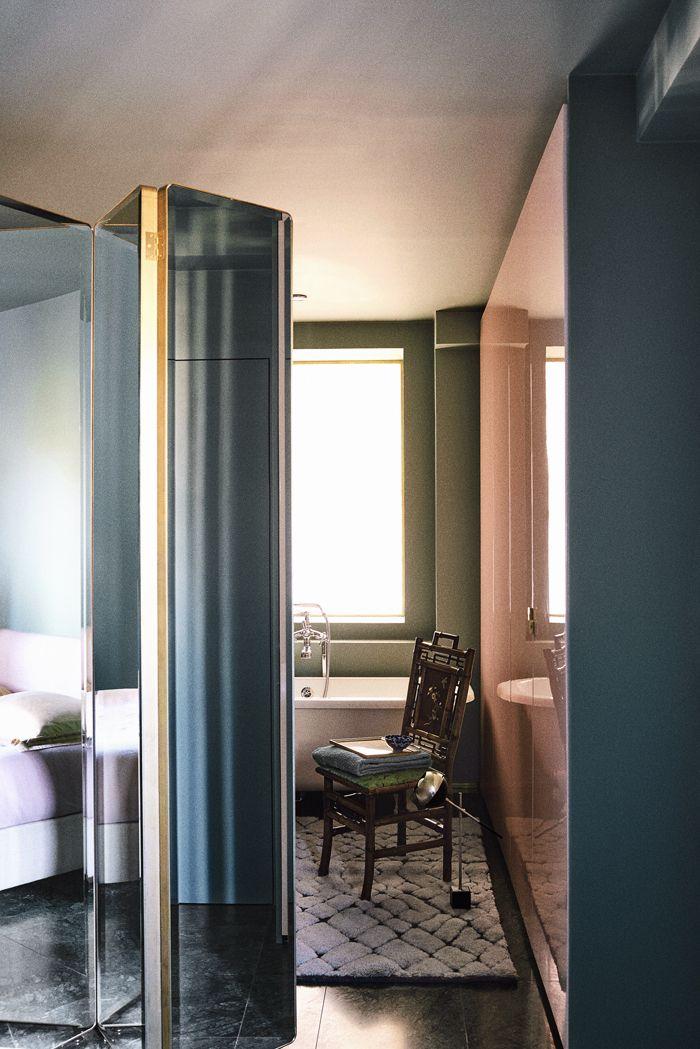 Le chic italien en plein Paris Interiors, Divider and Commercial