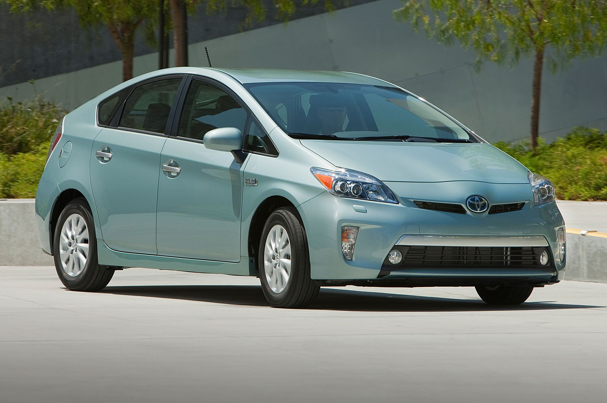 2014 Toyota Prius Plug In Prices Slashed 2010 4620 Toyota