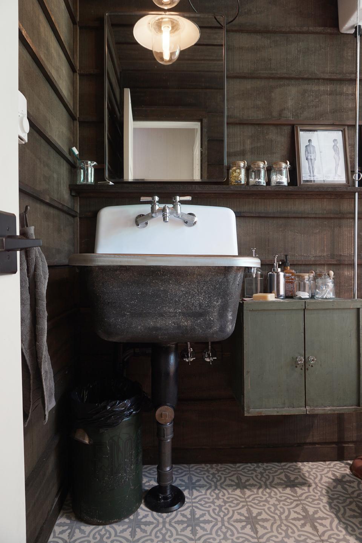- Rustic Cabin Bath. Super Deep Wash Basin / Mop Sink, Vintage