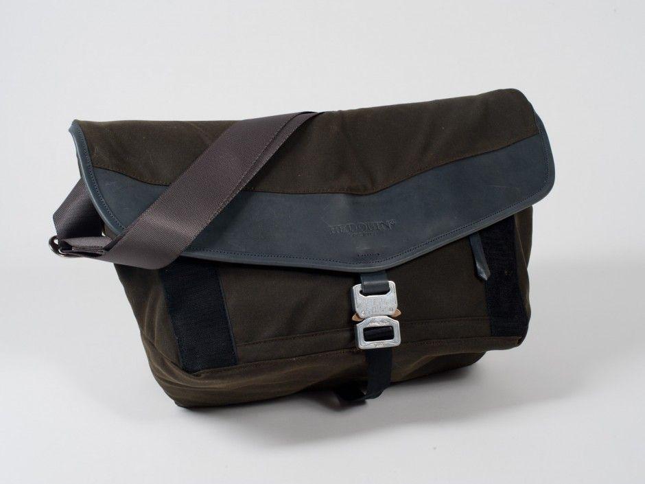 daf092b7468 Really nice messenger bag with waxed canvas leather and cobra buckles jpg  940x705 Cobra buckle messenger